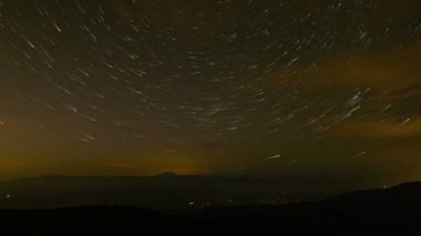 Time Lapse Movie of Circular Star Trails Over Mount Hood in Portland Oregon from Larch Mountain 10080p — Stock Video