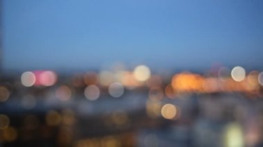 Out of Focus Bokeh Movie of Downtown City of Portland with Peak Hour Freeway Traffic in Oregon 1080p — Stock video