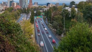 Timelapse Movie of Highway 26 Busy Traffic into Downtown Portland Oregon 1080p — Stock Video