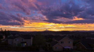 Time Lapse Movie of Colorful Sunrise and Moving Clouds over City of Happy Valley with Mount Hood in Oregon Closeup 1080p — Stock Video