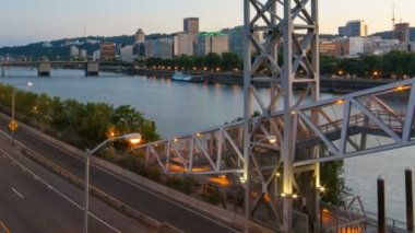 Time Lapse Movie of Long Exposure Traffic Light Trails Closeup and Zooming Out in Downtown City of Portland Oregon at Sunset — Stok video