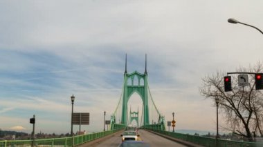 Time Lapse Movie of Fast Moving Auto Traffic on Historic St. Johns Bridge and Clouds in Portland Oregon 1080p — Stock Video