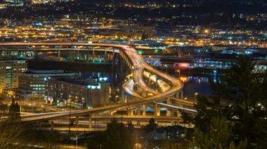 Time Lapse Movie of Long Exposure Freeway Traffic Light Trails on Marquam Bridge Across Willamette River in Portland Oregon at Night 1080p — Stock Video