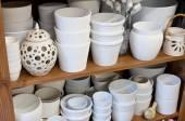 White planters in the florist shop — Foto Stock
