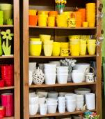 Clay pots in the florist shop — Foto Stock
