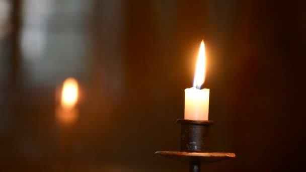 Poniéndole de vela, en tiempo real, iluminación natural — Vídeo de stock