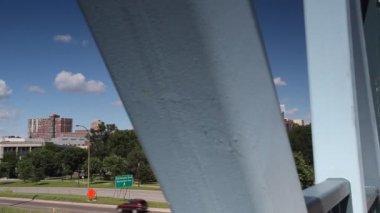 Centrum miasta minneapolis z drapaczami chmur, minnesota, stany zjednoczone ameryki — Wideo stockowe