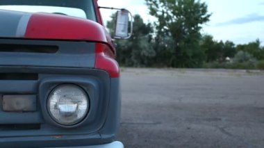 Headlight and bumper of old American car — Stock Video