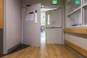 Door at corridor in a modern hospital. — Stock Photo