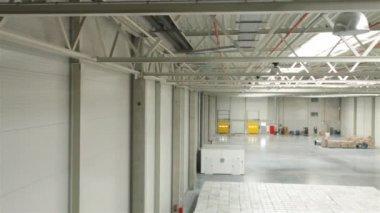 Modern warehouse full of goods — Stock Video