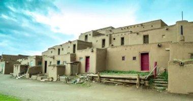 Ochtend in Taos Pueblo — Stockvideo