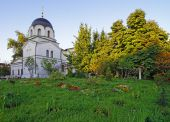 Chapel and churchyard in Conception convent in Moscow — Stock Photo