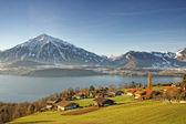 Swiss Alps peaks and lake view near Thun lake in winter — Stock Photo