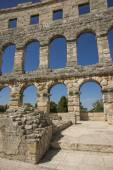 Fragment of wall of antique amphitheater in Pula — Stock Photo