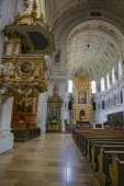 Saint Michael Cathedral Cathedral (Munich) interior and bench ro — Stock Photo