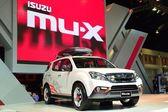 Nonthaburi - 1 December: Isuzu mu-X Suv bil display på Thailand — Stockfoto