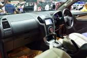 NONTHABURI - DECEMBER 1: Interior design of Isuzu mu-X SUV car d — Stock Photo