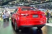 NONTHABURI - DECEMBER 1: New Mazda 2 Skyactiv car display at Tha — 图库照片