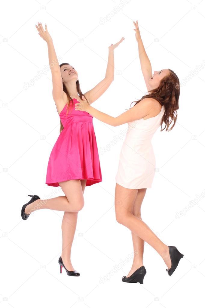 mujeres solteras las manos arriba