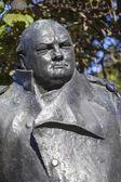 ロンドンでウィンストン ・ チャーチル卿の像 — ストック写真