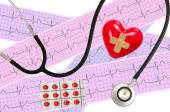 Medical stethoscope and Heart analysis, electrocardiogram graph — Stock Photo