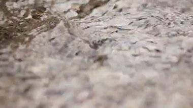 圆石滩和水 — 图库视频影像