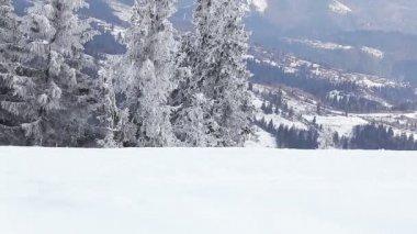 Berghang im Schnee — Stockvideo