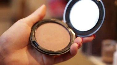 Powder makeup — Stock Video