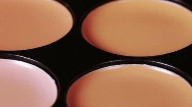 Cosmetic concealer — Stock Video