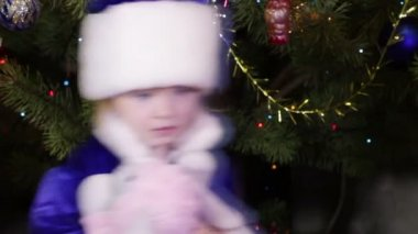 Child Snow Maiden — Vídeo stock