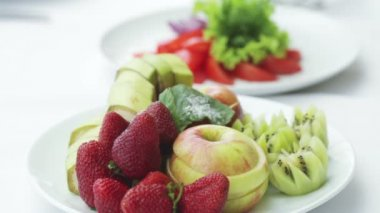 Cut fruits and vegetables — Stock Video