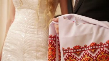 Wedding embroidered towel — Stock Video