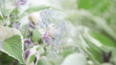Dekoration mit Blumen — Stockvideo