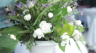 Create decorative bouquet — Stockvideo