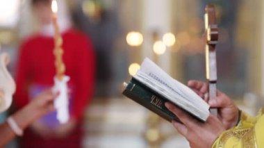 Evensoning Bible Pray — Stock Video