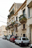 Typical street in the ancient Syracuse — Stock Photo