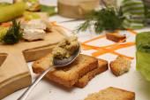 Fazendo sanduíches — Fotografia Stock