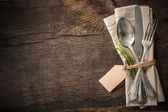 Argenteria dell'annata con un tag vuoto — Foto Stock