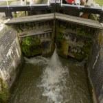 Narrow lock on canal, Bradford on Avon — Stock Photo #55074137