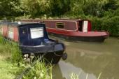 Narrow boats on canal, Bradford on Avon — Stock Photo