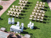 Outdoor wedding ceremony in a garden — Stock Photo