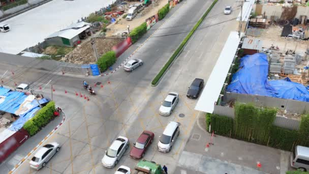 Busy cross road in day time, Time Lapse — Vidéo