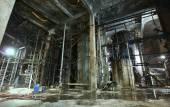 Stara fabryka przerażające, ciemne, rozkładające się, destrukcyjne, brudne — Zdjęcie stockowe