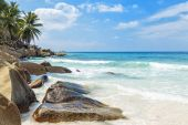 Untouched tropical beach Seychelles islands — Stock Photo