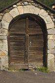 Barn door of wood secured — Stock Photo