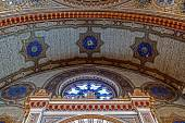 Interior details of an old synagogue — Stock Photo