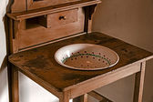 Old serbian furniture for washing their hands — Fotografia Stock