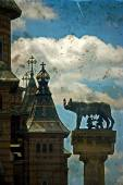 Statue with cathedral, wolf, Remus and Romulus. Timisoara, Roman — Stock Photo