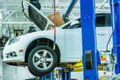 Broken Car in Auto Service — Stock Photo