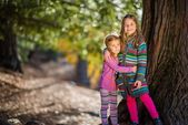 Sisters Portrait in the Park — Stock Photo